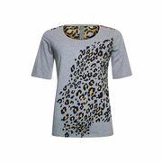 T-shirt shoulder detail