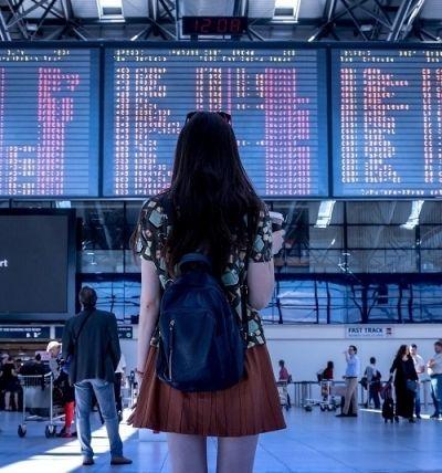 Een vliegtuig outfit: comfortabel en stijlvol reizen!