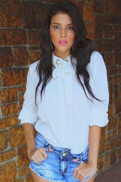 Een witte blouse combineren doe je zo!