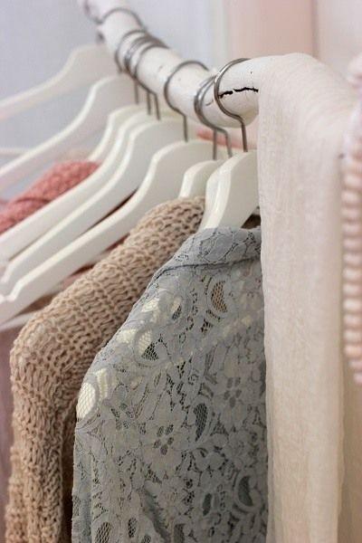 Dit zijn 6 vragen die je jezelf moet stellen wanneer je nieuwe kleding koopt
