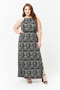 Plus Size Foliage Print Maxi Dress